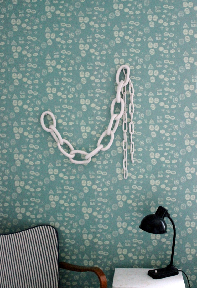 Chains_RaivioP_Wallpaper_Bumann_D